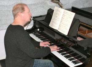 20120409_composer-john-lunn-in-studio_33
