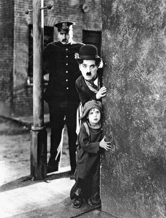 CHARLIE CHAPLIN-THE ESSENTIAL FILM MUSIC COLLECTION. (4/6)