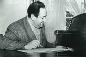 NEGATIV_Korngold am Klavier, ca. 1940