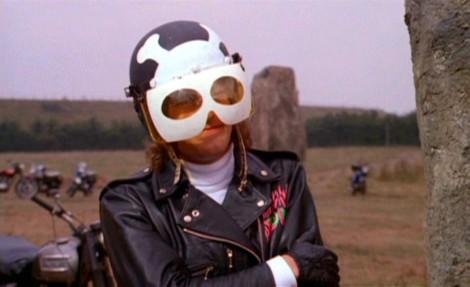 psychomania-skull-helmet-1050x643