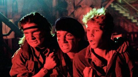 The-Lost-Boys-1987-Movie-Scene