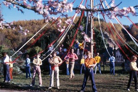 wicker-man-1973-005-maypole