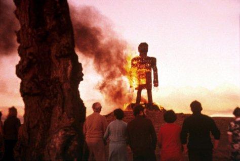 wicker-man-1973-006-burning-sculpture-sunset
